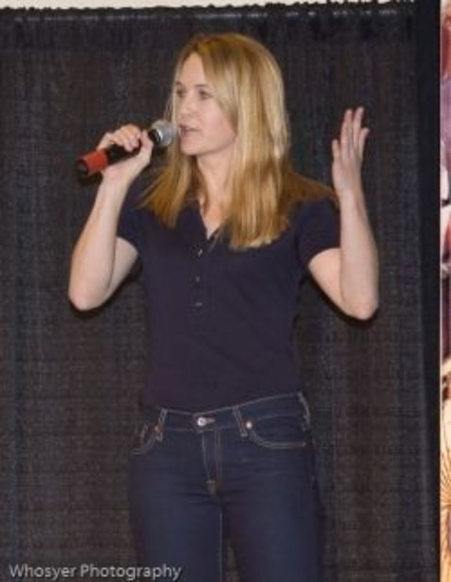 Renee O'Connor photo courtesy of Whosyer Photography via Flickr Creative Commons