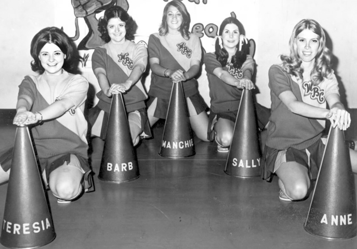 Cheerleaders from the 1970s