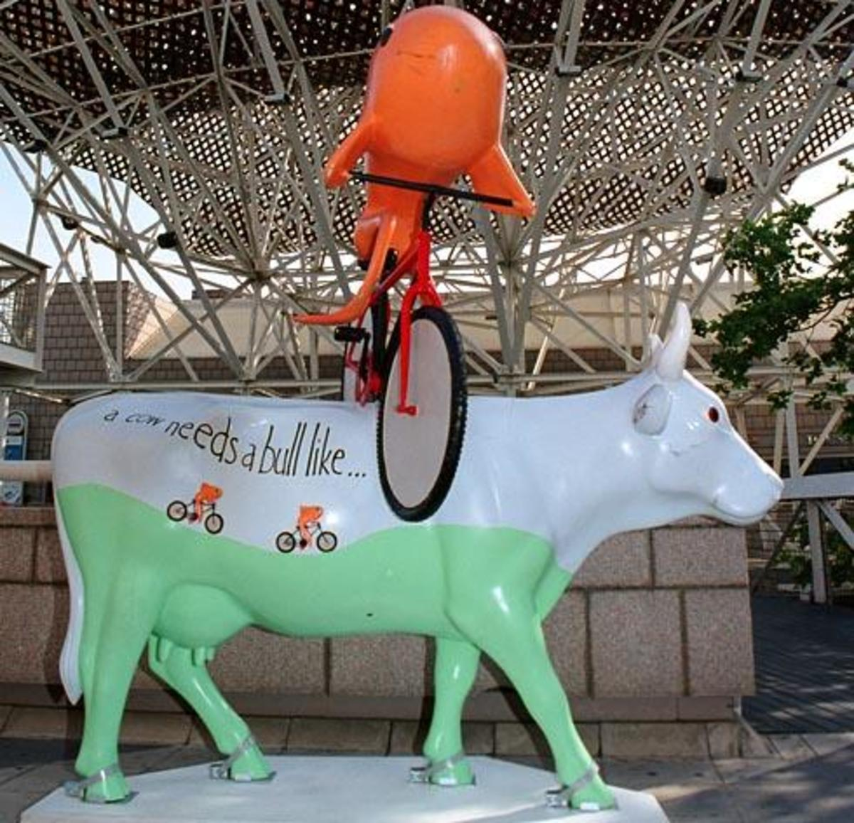 A cow needs a bull like a fish needs a bycicle (Barcelona)