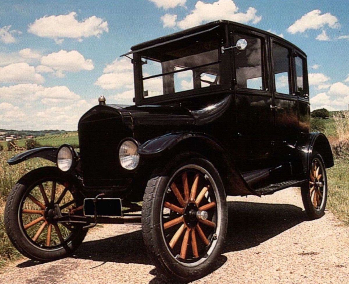 7. Ford Model T: (1908-1927) - 16,500,000+