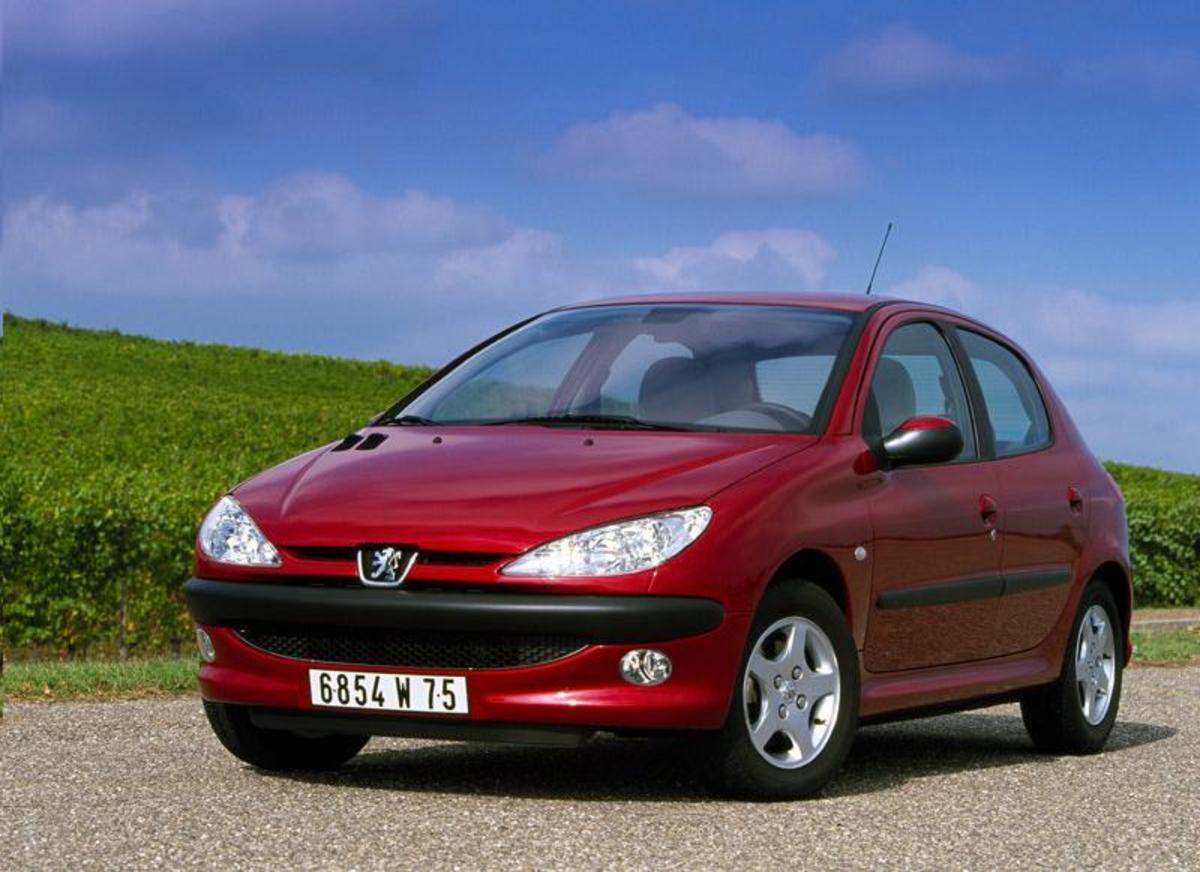 29. Peugeot 206: (1998-2007) - 6,100,000