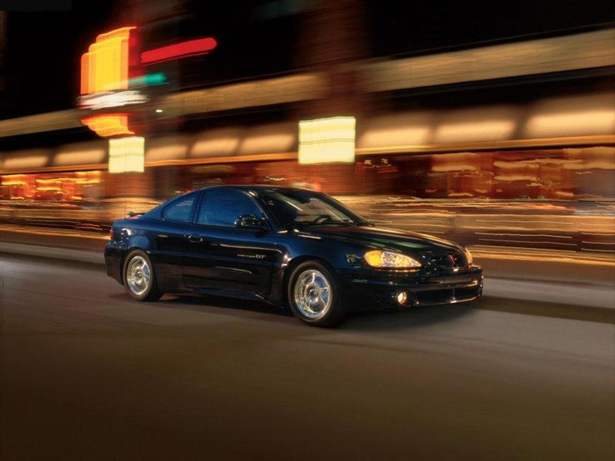 45. Pontiac Grand Am: (1973-2005) - 4,000,000