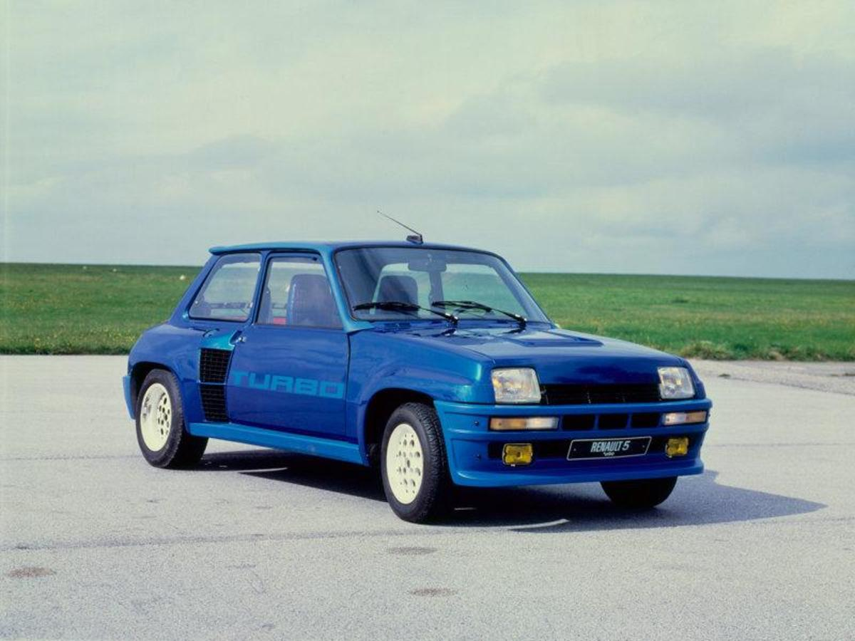 21. Renault 5: (1972-1996) - 8,800,000