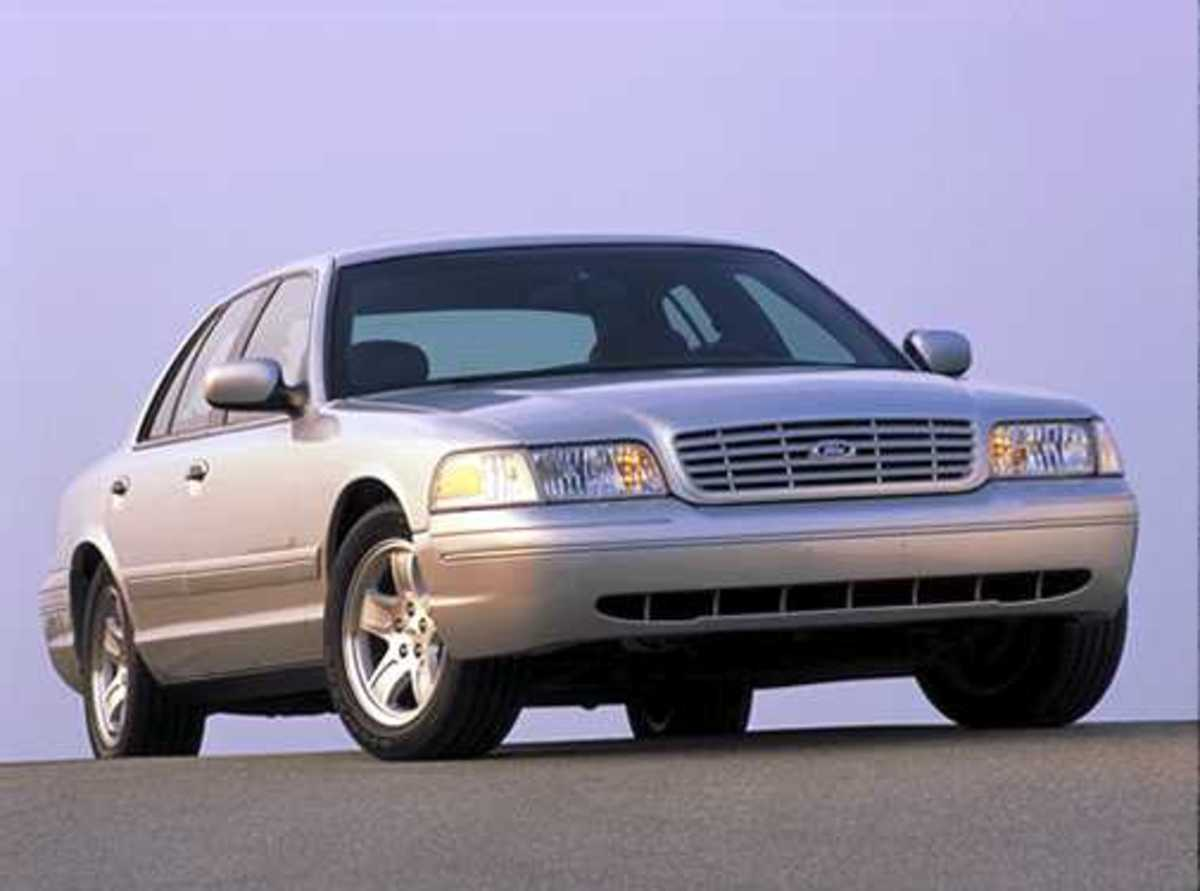 35. Ford Crown Victoria: (1980- ) - 5,500,000+