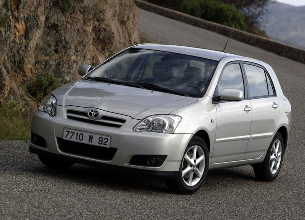 1. Toyota Corolla: (1966- ) - 32,000,000+