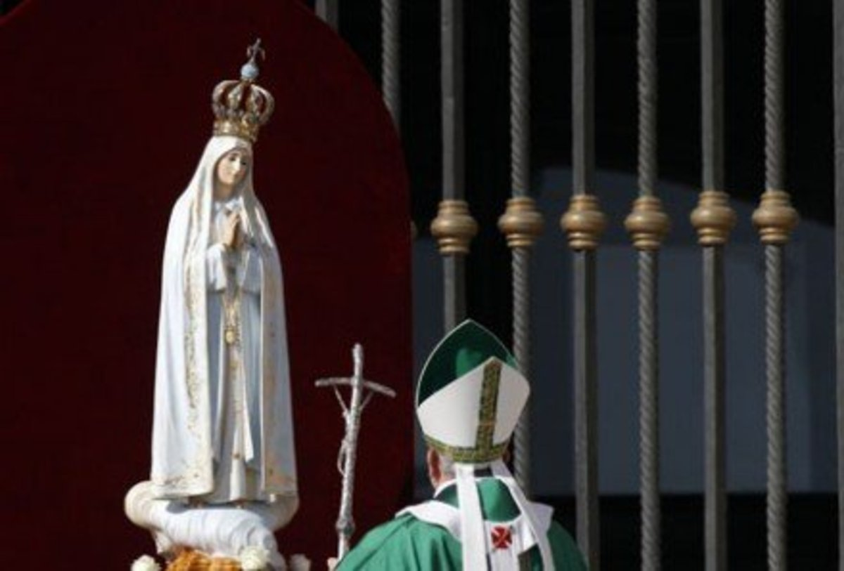 Pope Francis prays to Mary, an Idol.