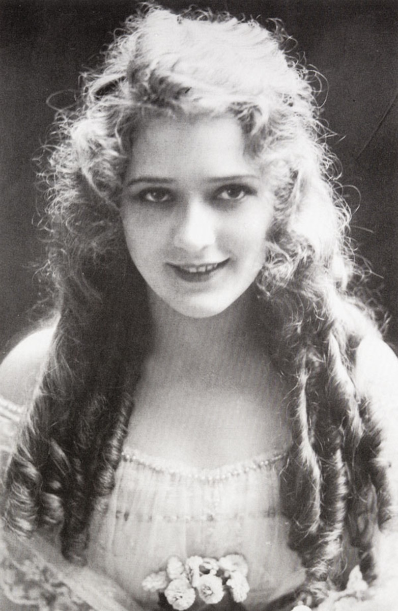 Hollywood - Photographs of Celebrities From The 1920's