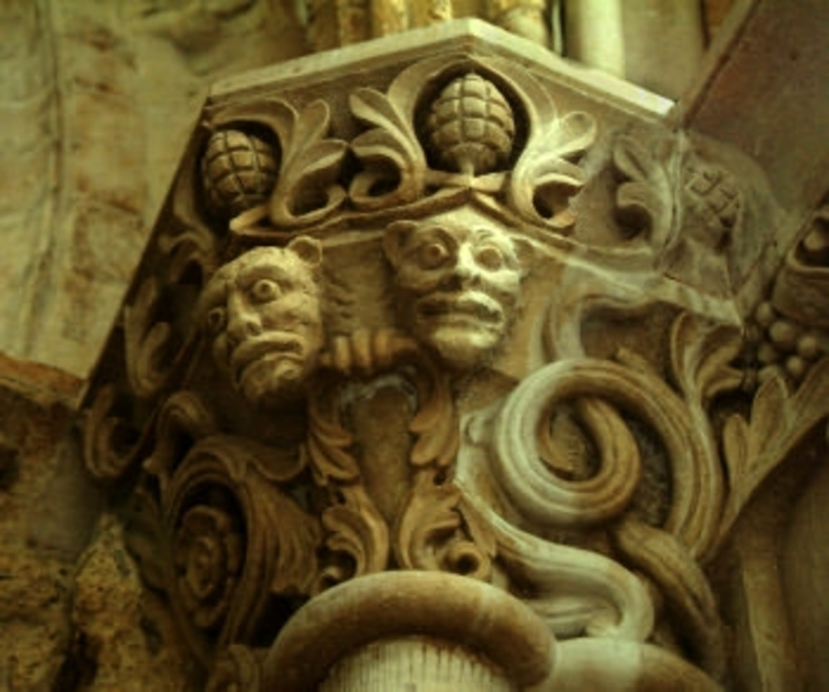 Column on the west side of Temple Church, London.