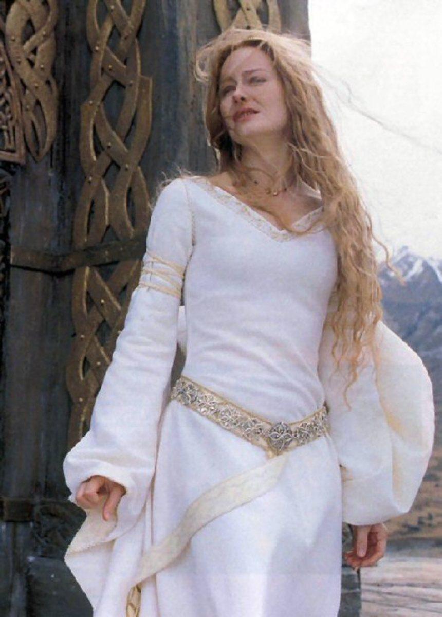 making-a-medieval-wedding-dress
