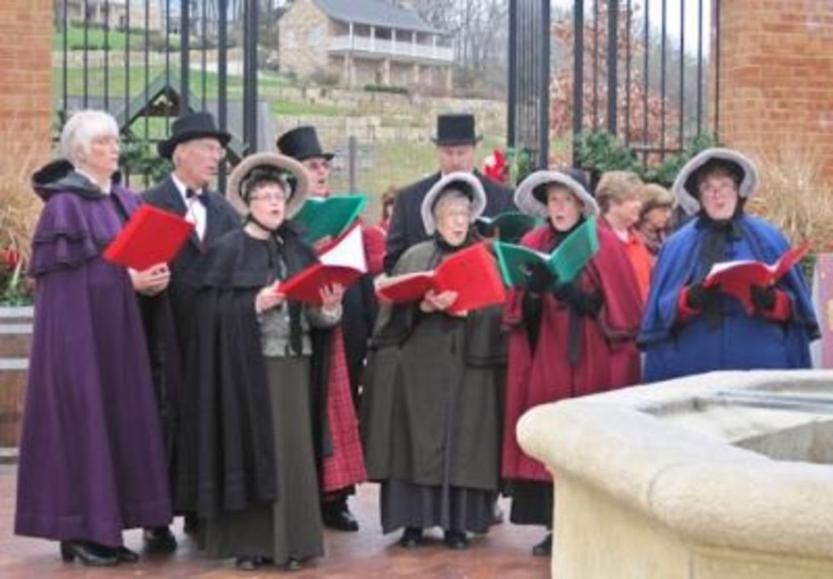 Carolers at Kristkrindl Market