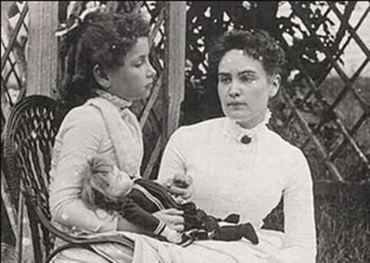 Helen and Anne Sullivan, her teacher.