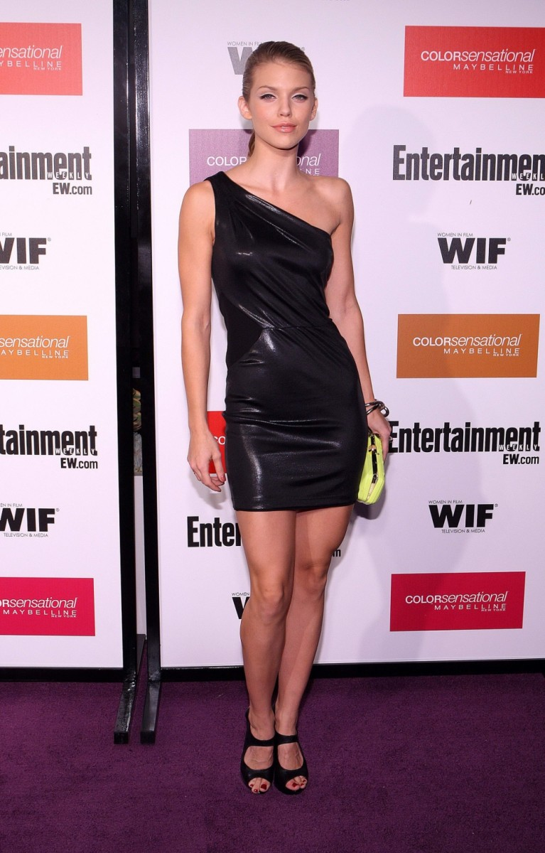 AnnaLynne McCord in a little black dress and high heels