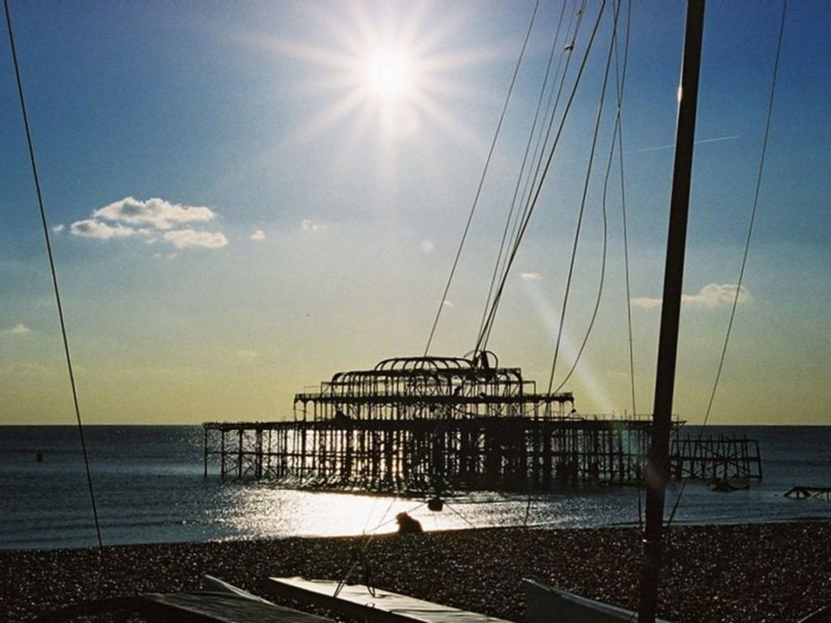 The derelict West Pier, courtesy of Wiki Commons