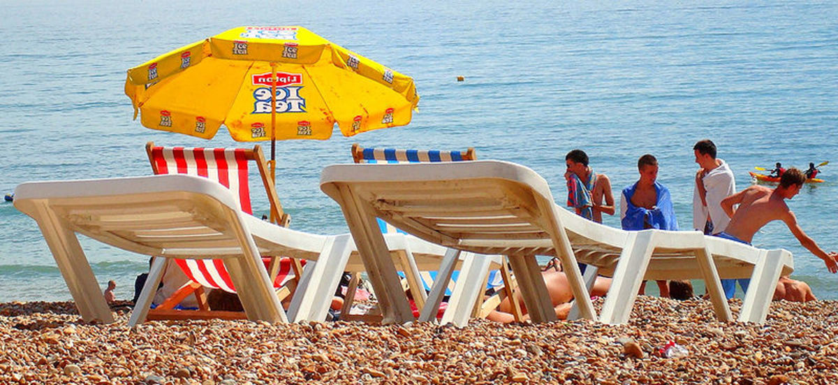 Brighton Beach on hot, sunny day. Photo by Liliana