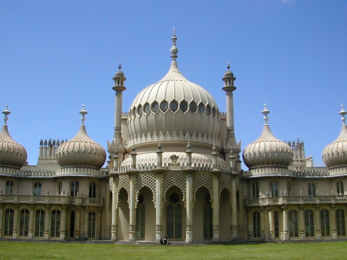 A holiday in Brighton,  Brighton Pier and seafront attractions and Brighton Information for visitors and holidaymakers