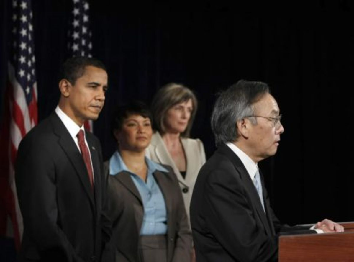 Barack Obama's green team will focus on job creation, environmental protection and climate change, and his cabinet includes Nobel Prize-winning physicist Steven Chu