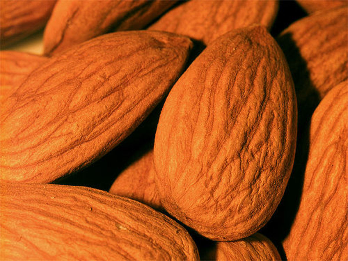 Almonds are great snack for energy during this Perricone diet.
