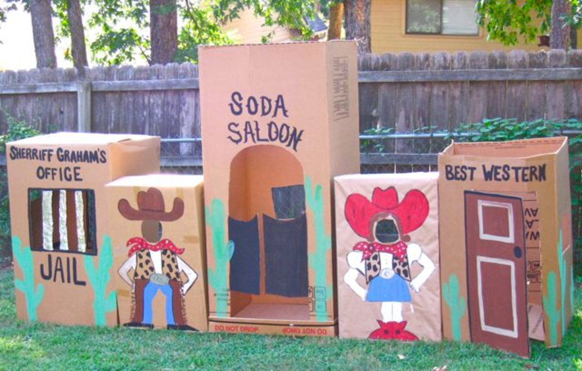 How creative are these using cardboard Boxes. Read more at: designdazzle.blogspot.com