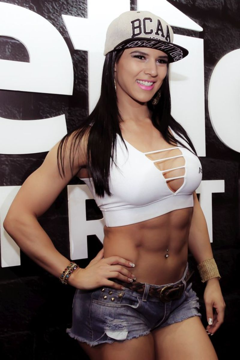 Eva Andressa - Female Fitness
