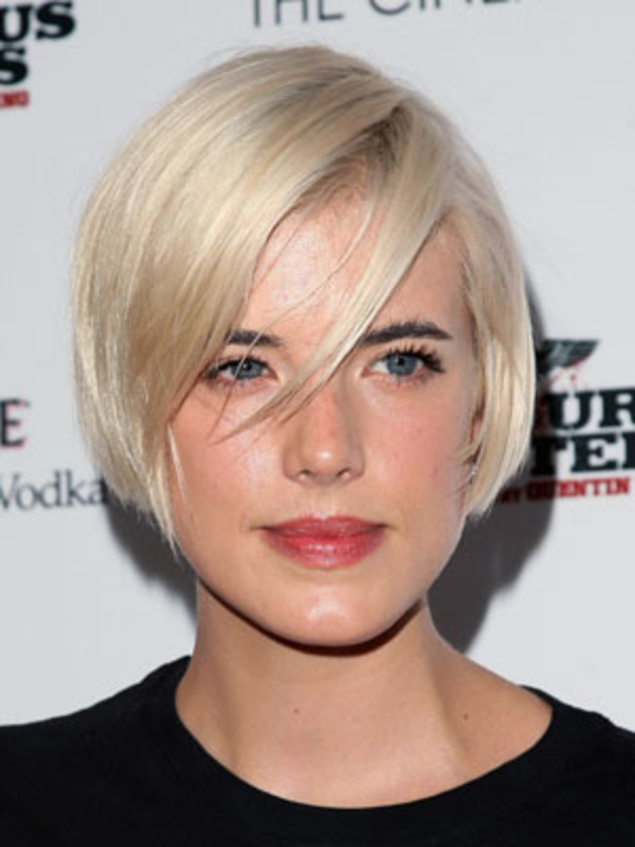 short bob haircuts with side swept bangs