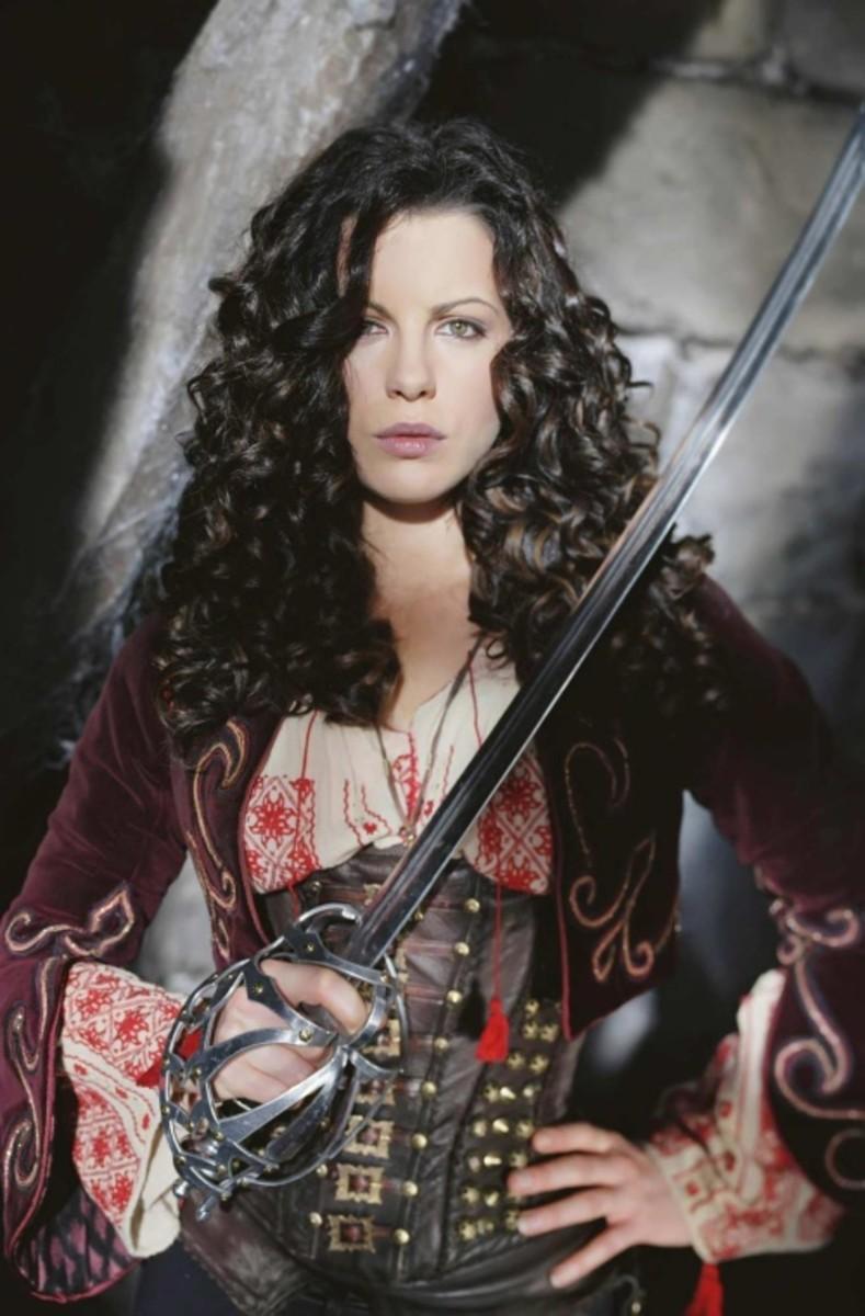 female-vampire-hunters