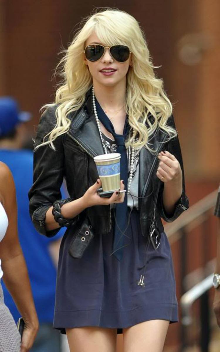 taylor momsen long hair trends pictures