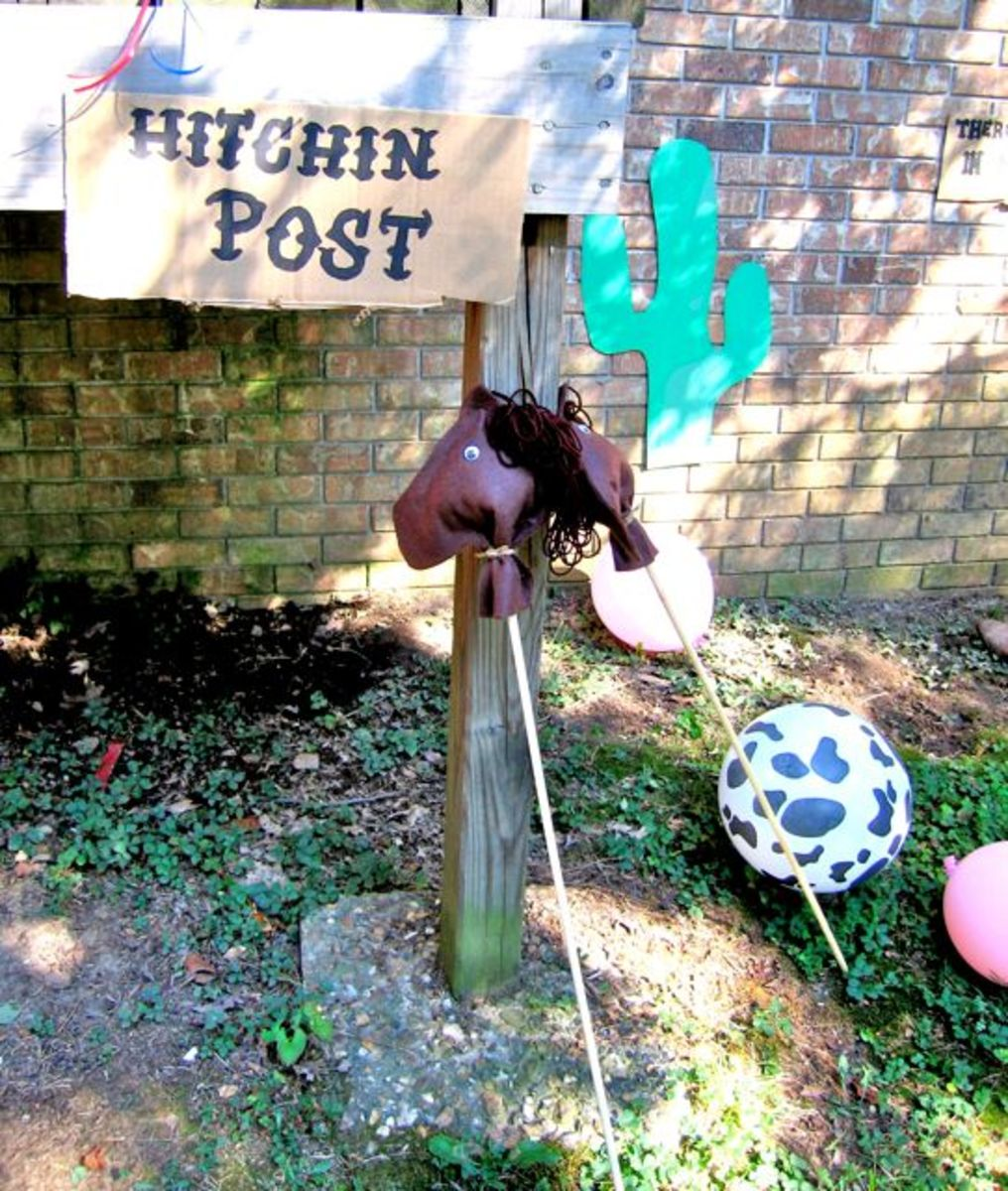 A Hitchin Post. Read more at: designdazzle.blogspot.com