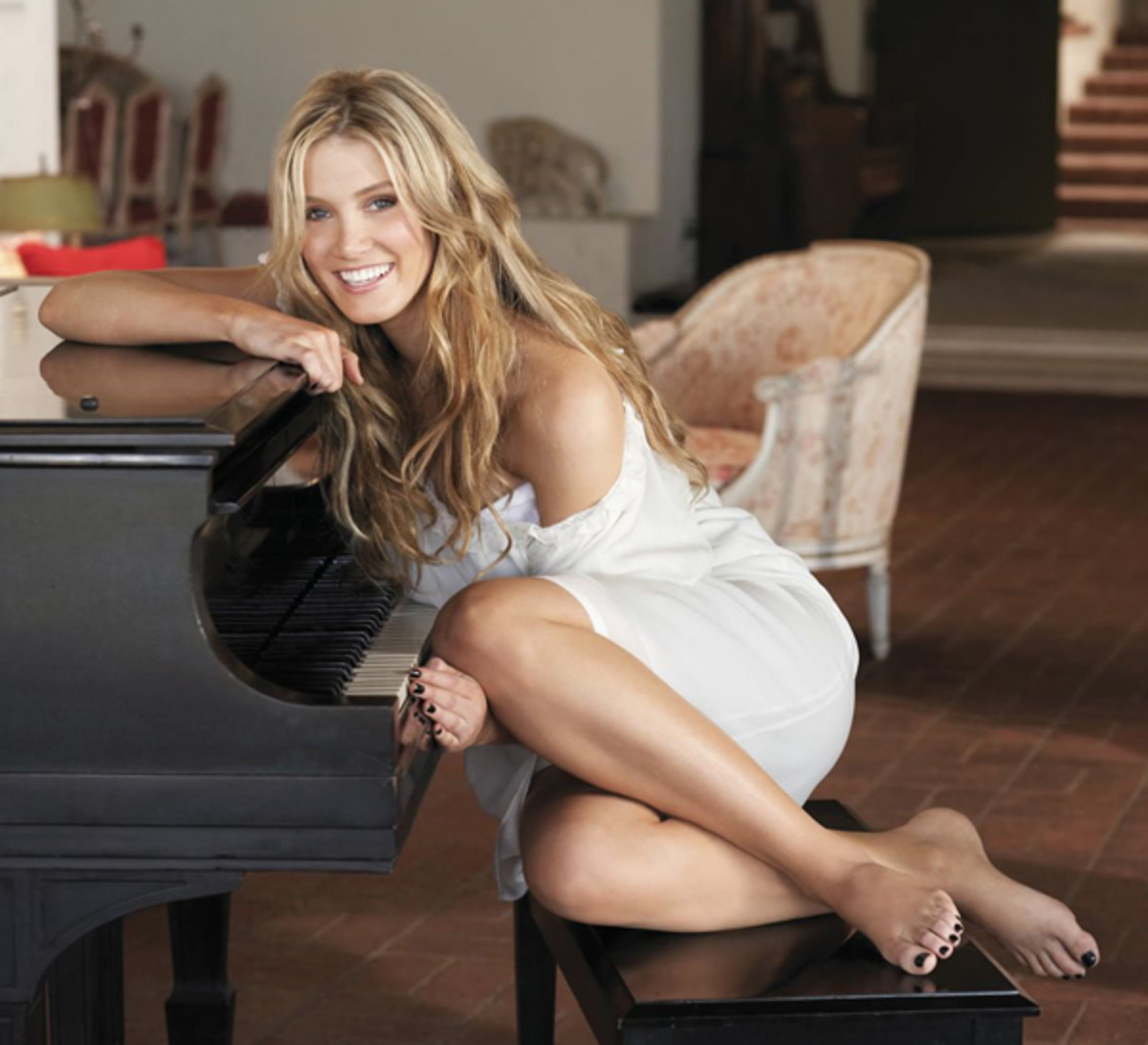 Delta Goodrem bound to capture fans with her voice and looks.