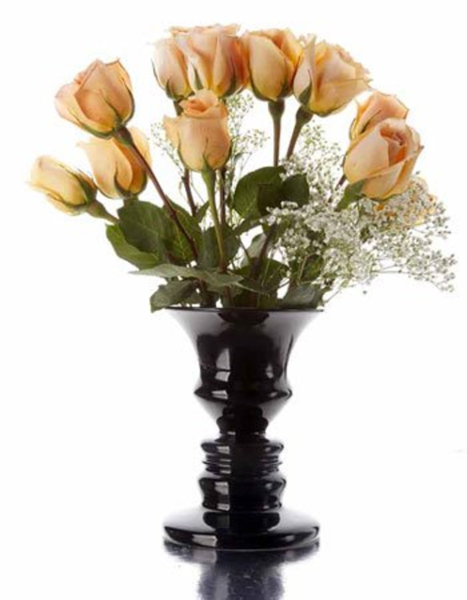 two-faces-or-a-vase-10-simple-but-wonderful-optical-illusions