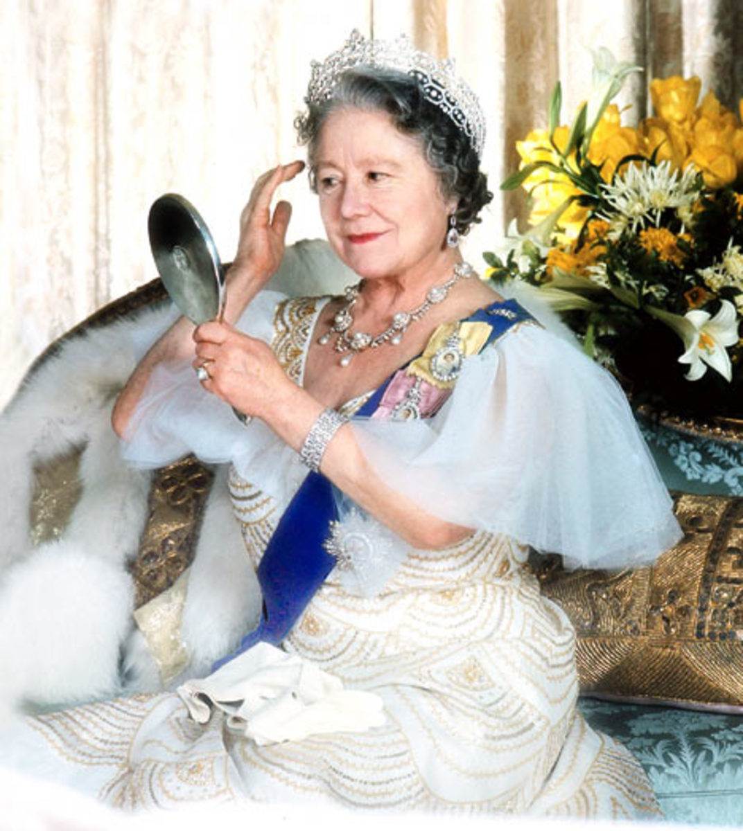 Queen Mother photo courtesy of dailymail.co.uk