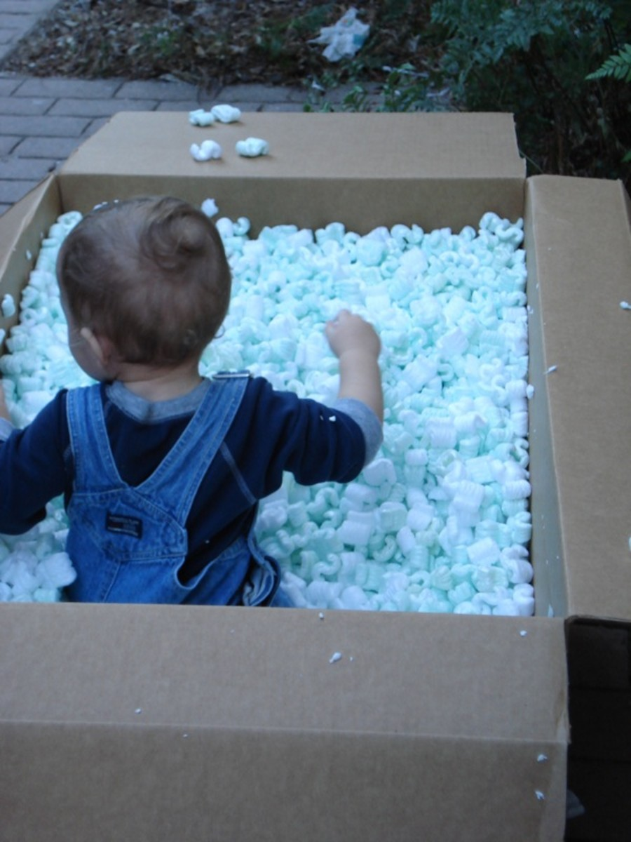 Packing Peanuts Sensory Box