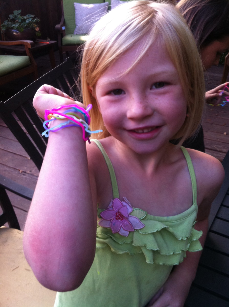 Silly Bandz:  The Shaped Rubber Band Bracelets for Kids