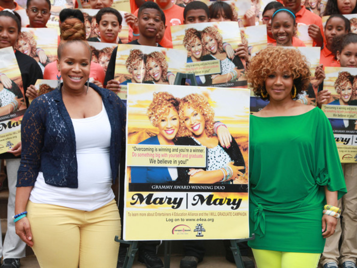 "Trecina ""Tina"" Atkins-Campbell is 1/2 of the Urban Contemporary Gospel duo, Mary Mary (pictured above, on the left). In this picture, Mary May unveils the Entertainers 4 Education Alliance ""I Will Graduate"" Poster"