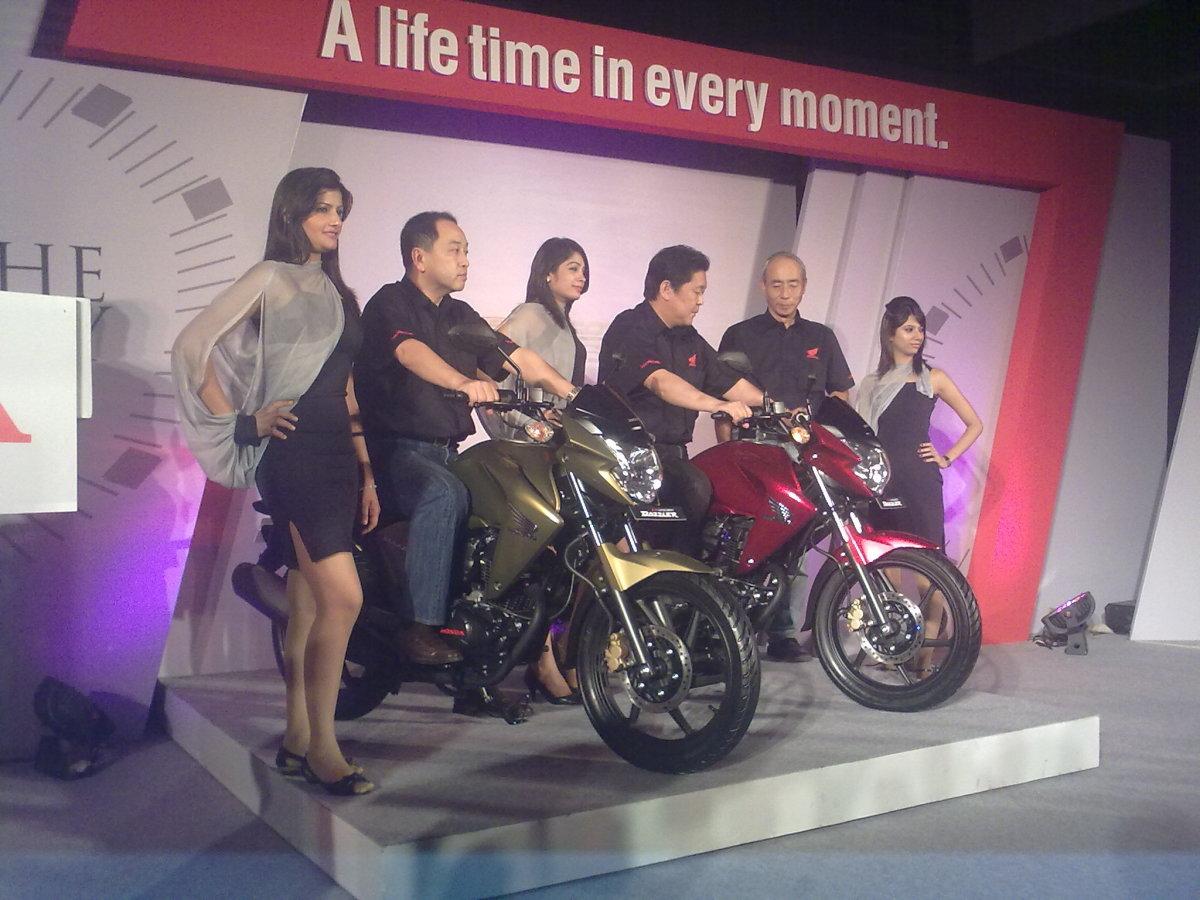 Japanese on hot Indian bikes with hot Indian girls - Honda CB Unicorn Dazzler Hot Pic