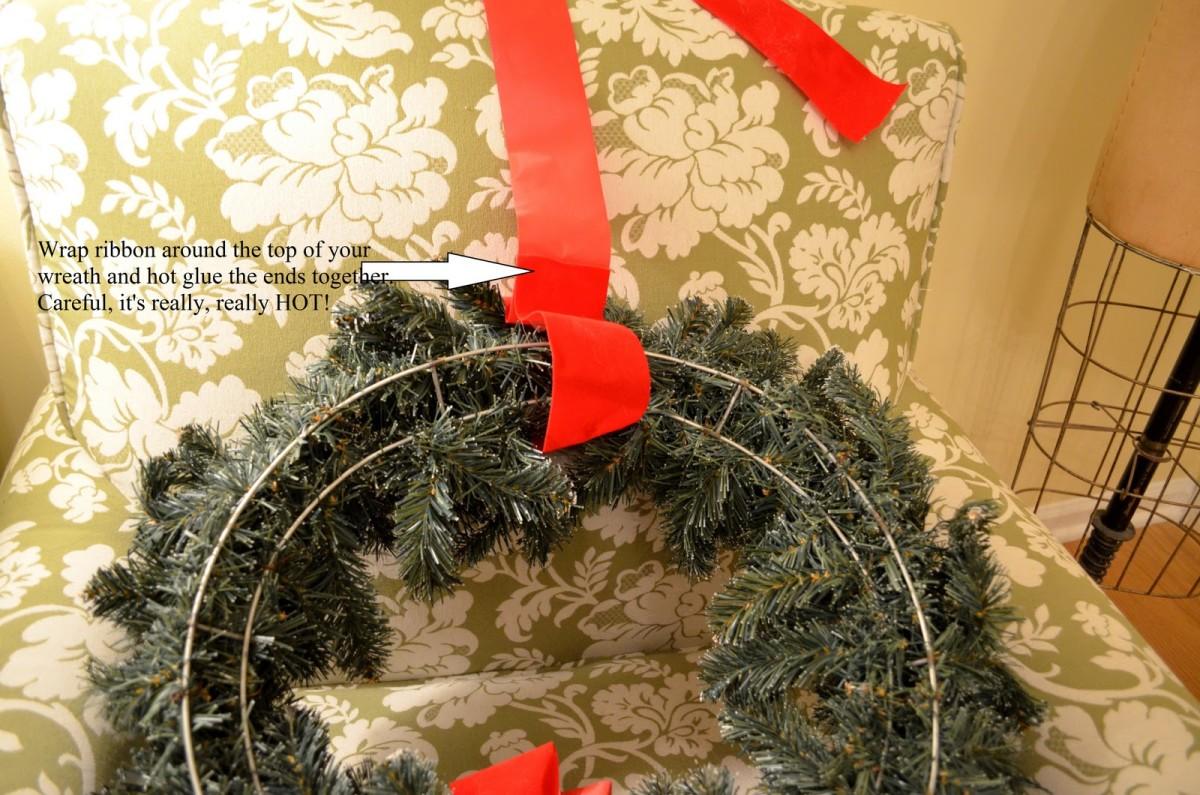home-decor-ideas-wreath-on-windows