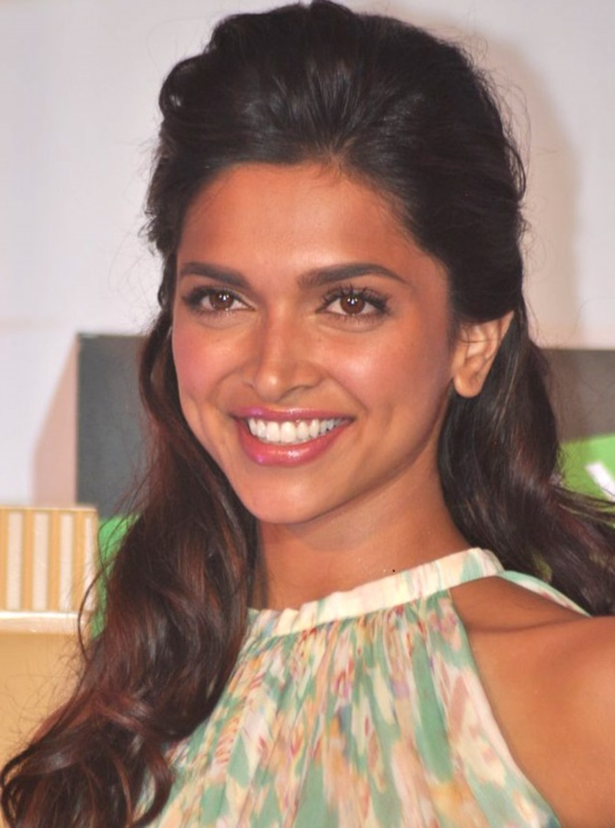 Deepika Padukone at the announcement of the new face of Garnier (2012), CC-BY-3.0