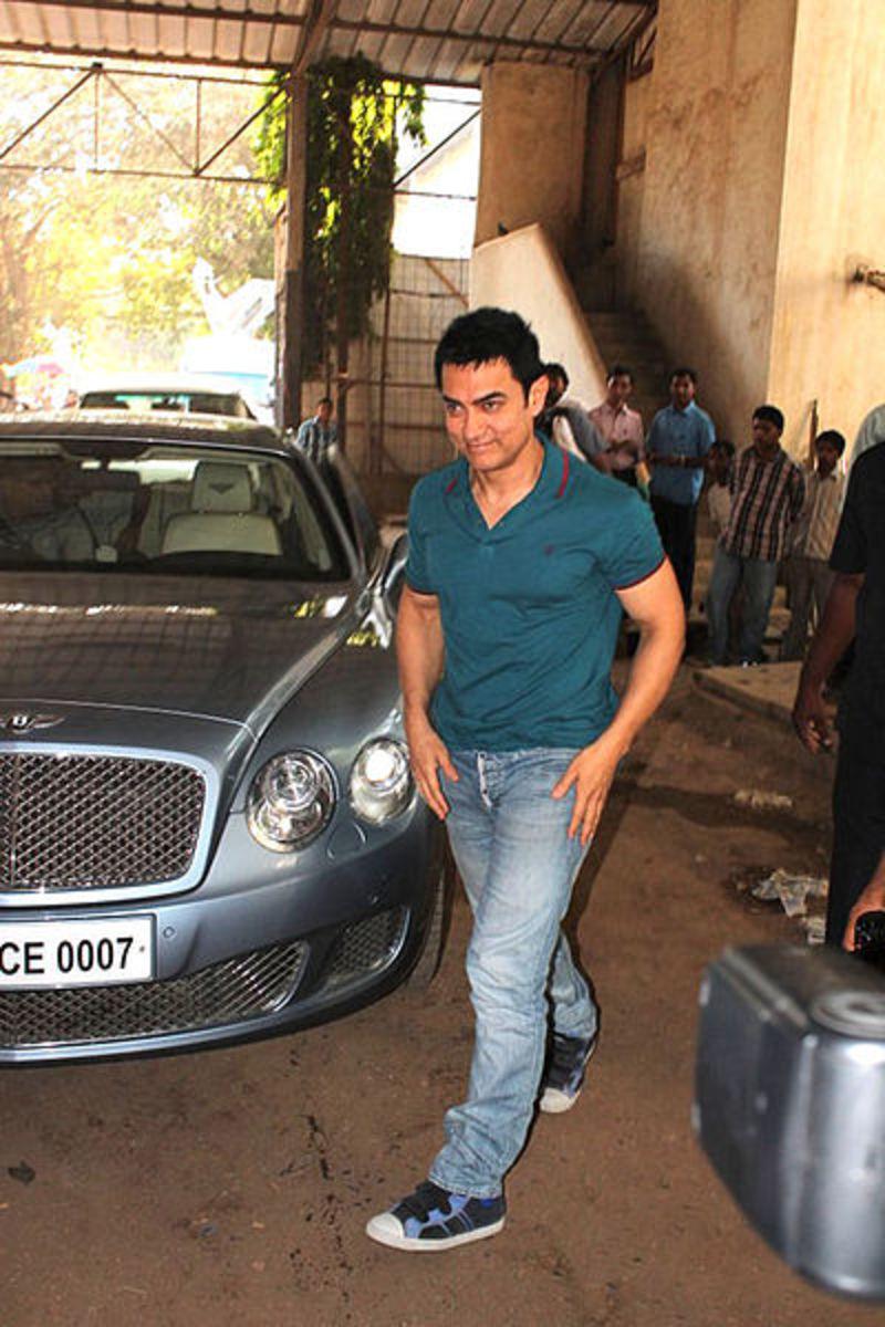 Aamir Khan promotes 'Satyamev Jayate' on Diya Aur Baati Hum serial