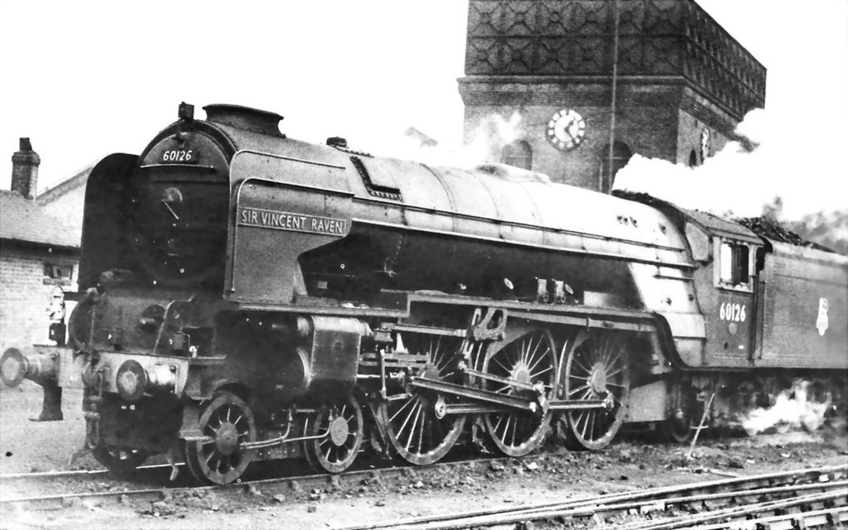 A1 60126 'Sir Vincent Raven' of Heaton Shed (52B) - was this picture taken 'at home'? A projected addition, probably a Bachmann Branchline model next time. If I can't get 'Vincent Raven' it'll be a stablemate, possibly with Fox detailing again