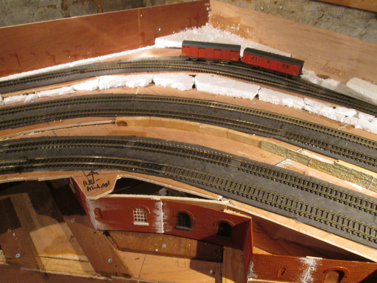 'Bloomfield's Mail Order' has been provided with rail access via Unit 2  The curve will make things 'interesting' to add the platform. There are steps on the Gresley Covered Carriage Truck (CCT) so some thought needs to go into this