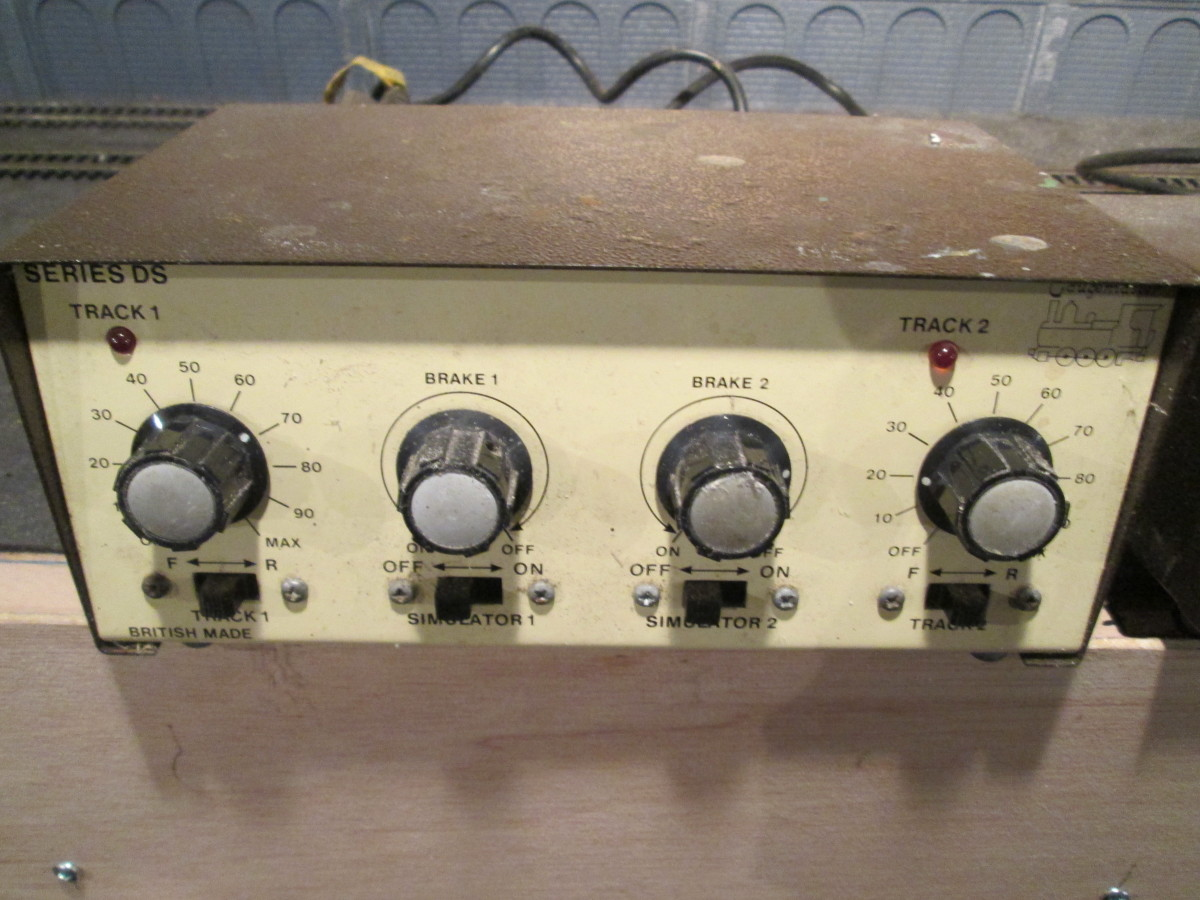 Gaugemaster DS dual controller with brake simulator - see text below