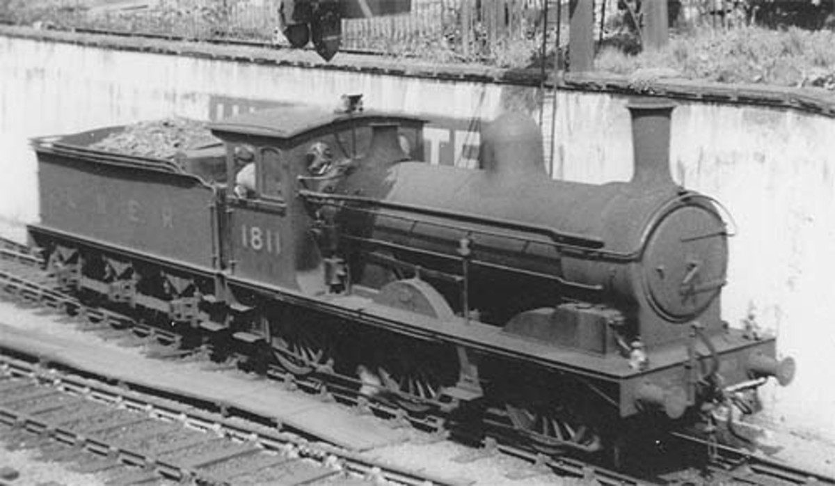 Numbered 1811 in LNER days, here's a good example of the class with express code lamps on her buffer beam