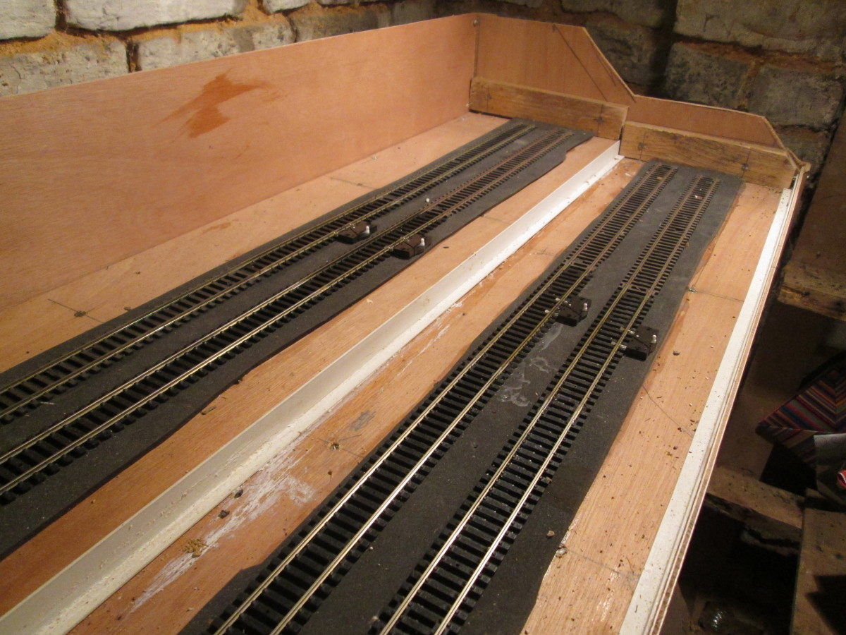 The top end of the layout - isolating tracks on all four tracks were installed for locomotives to be relieved of their trains. Even if I invest in DCC not all are suitable, particularly earlier Hornby and Nucast kit-built motive power