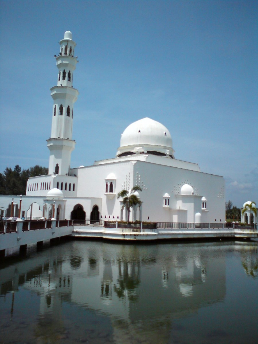 The Floating Mosque (Masjid Tengku Tengah Zaharah)