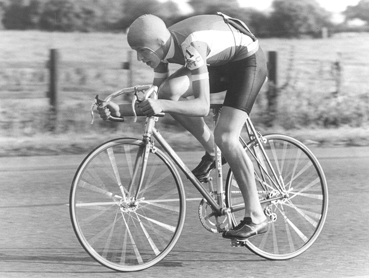 Martin Pyne, the national 25 mile champion in full flight on his Breckland Model Flying Gate