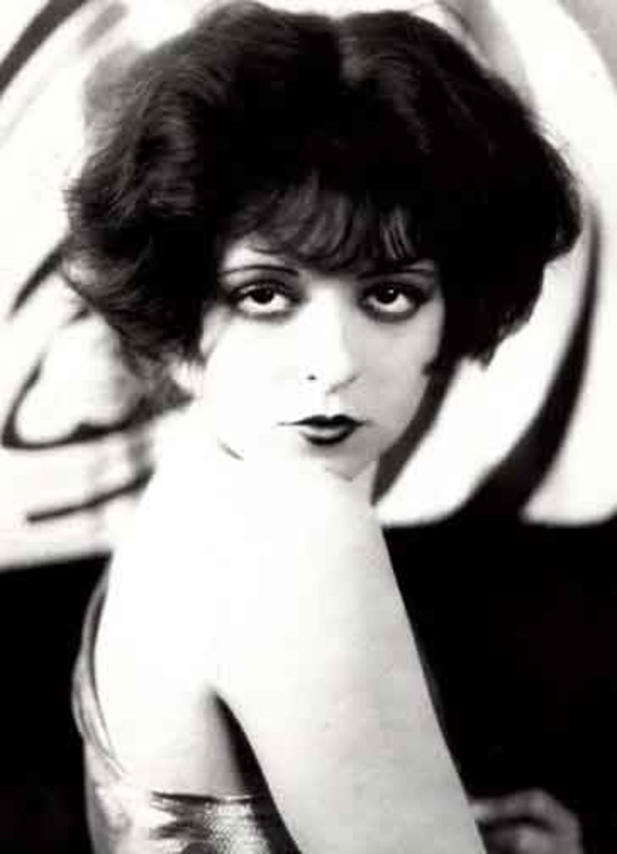 A 20's ideal...dreamy-eyed silent film star, Clara Bow.