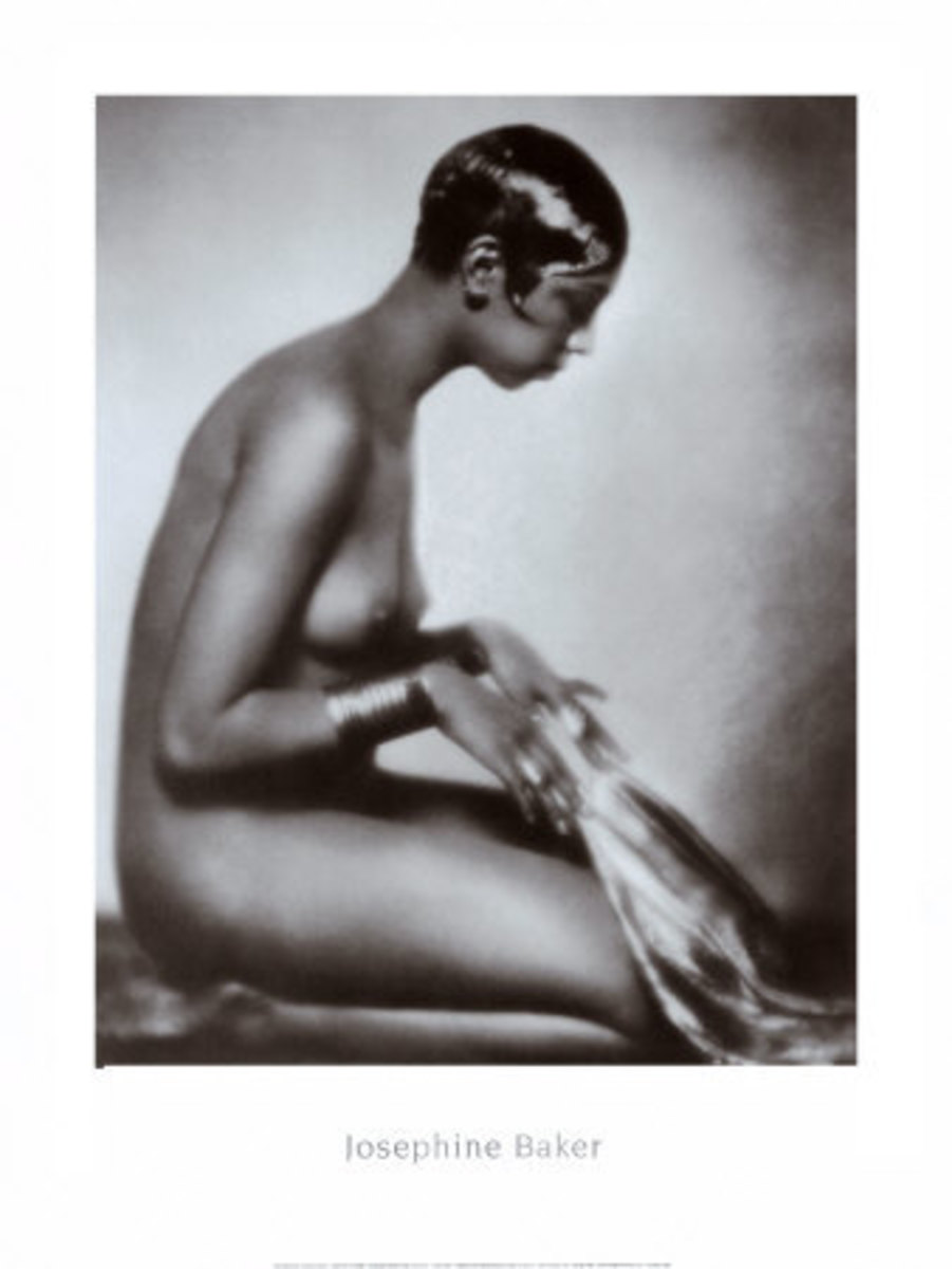 Dancer Josephine Baker sports the 'Eton Crop'...looks swell on her.