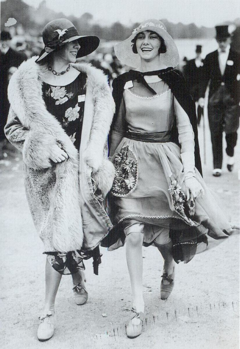 Flappers out for a stroll