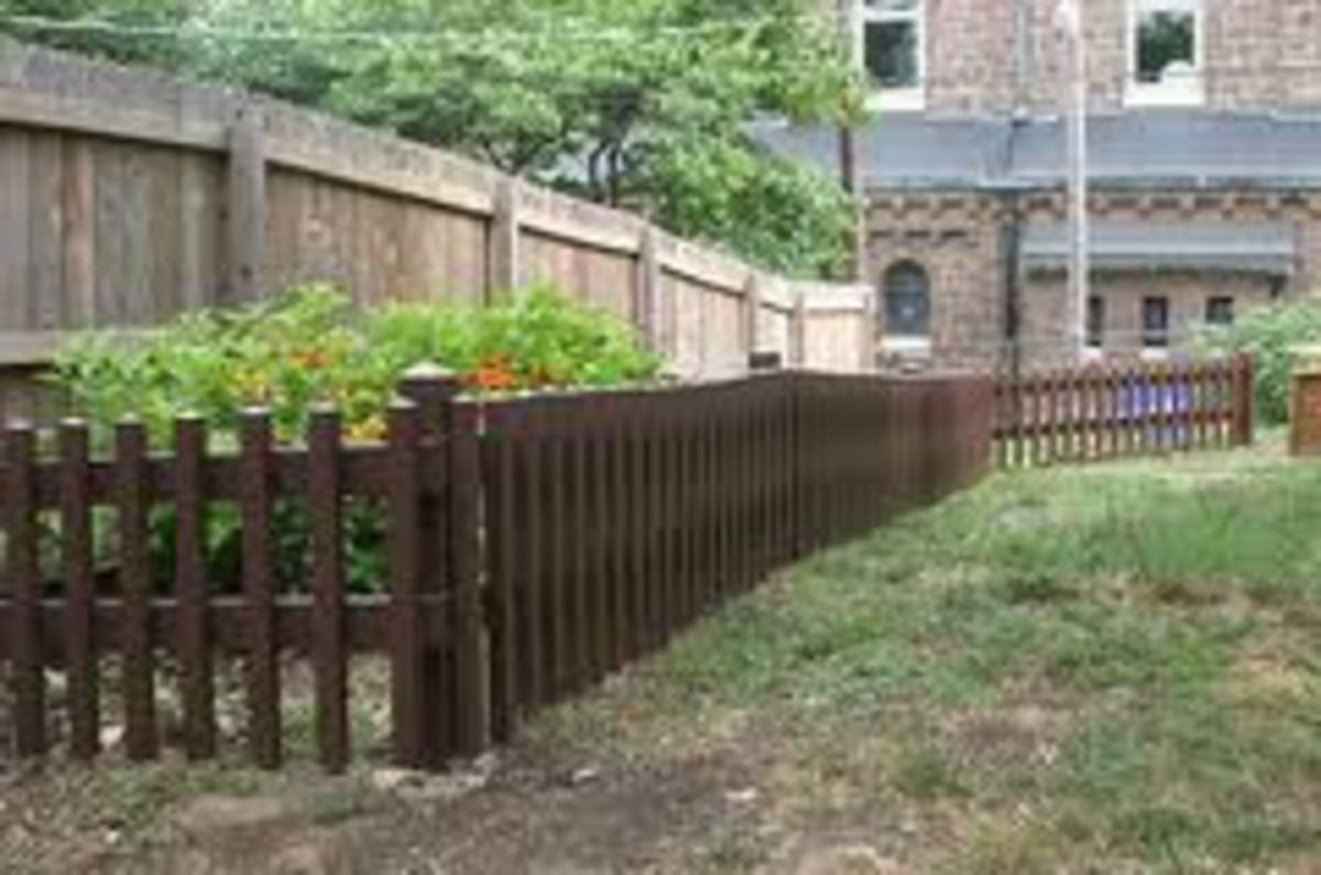 hewandhammered.com brown crafsman picket fence