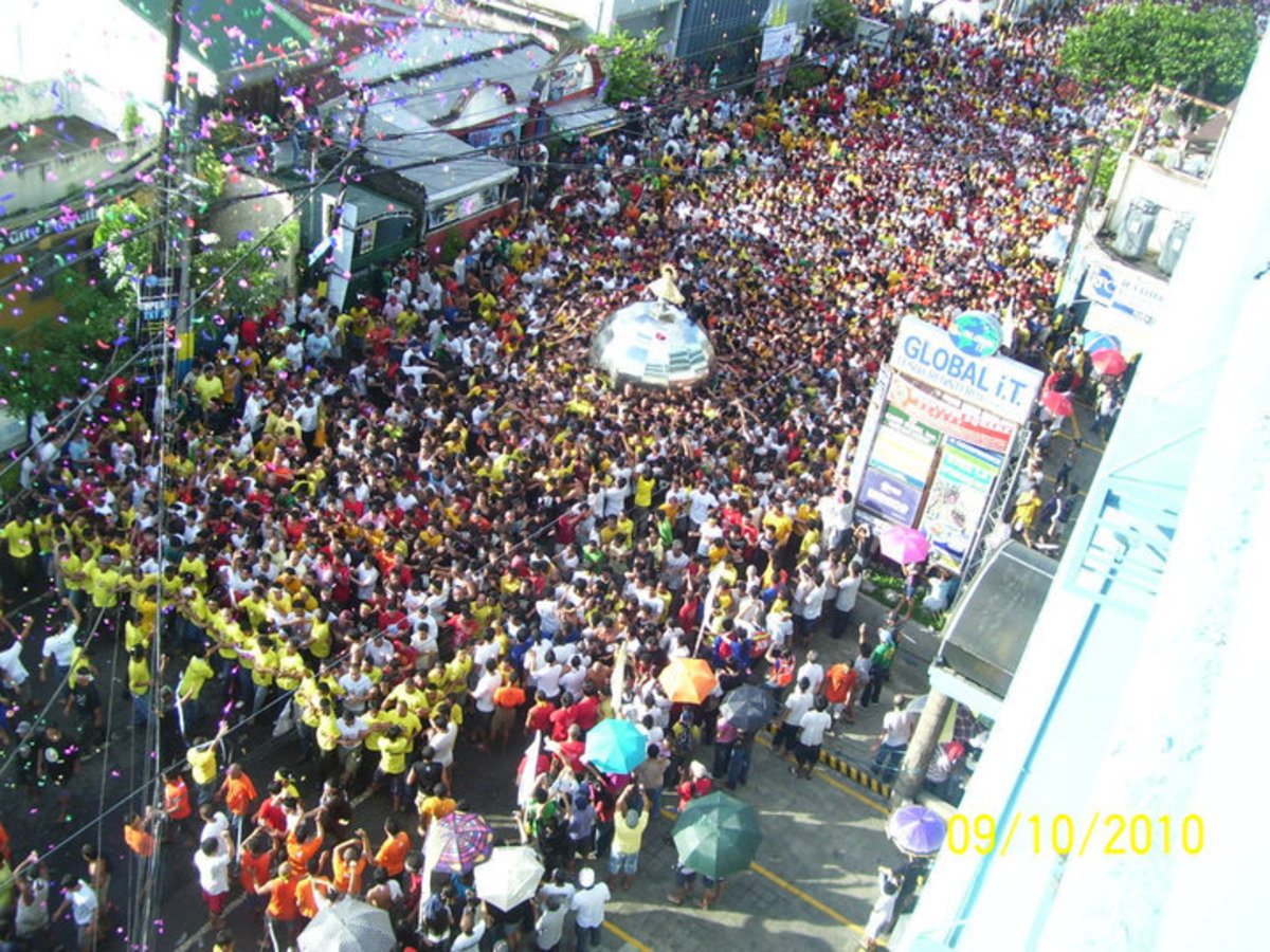 TRASLACION 2010 (Photo courtesy of Mariner's Polytechnic Colleges Alumni Association)