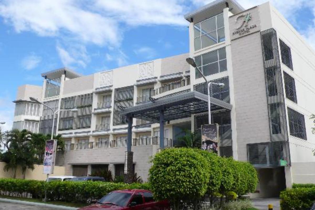 Avenue Plaza Hotel in Naga City (Photo courtesy of http://www.tripadvisor.com/)